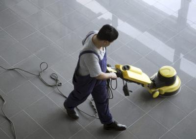 Grīdu ķīmiskā tīrīšana